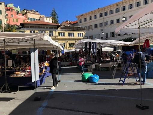 Le immagini dal mercato di piazza Eroi