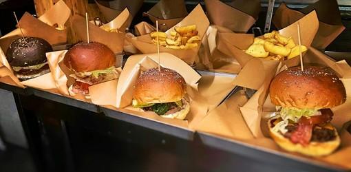 Quattro magnifici (e buonissimi) hamburger di Manik
