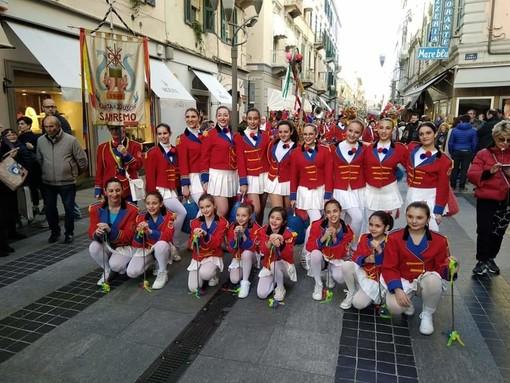 Le piccole Majorette della società Intemelia di Bordighera al corso fiorito di Sanremo