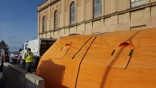 Sanremo: lesione alla tenda del pre-triage di fronte al pronto soccorso, è stata rimossa