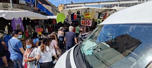 Sanremo: boom di francesi al mercato e nei locali, oggi il Covid sembra un lontano ricordo e lunedì 'zona bianca'