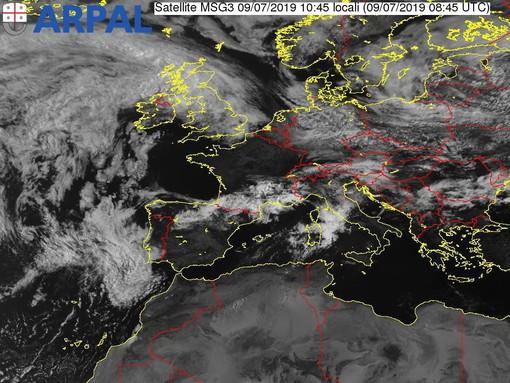 Maltempo: da poco iniziati i temporali sulla nostra provincia, dalle 13 allerta 'gialla' anche sull'imperiese