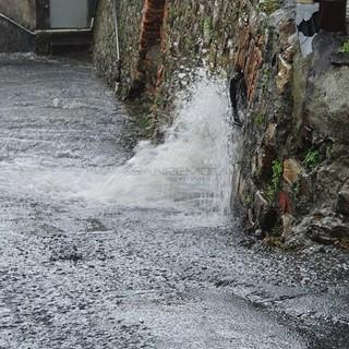 Peggiorano le condizioni meteo sulla Liguria, ma a Ponente è confermata la fine dell'allerta per le 20
