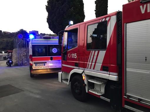 Diano Marina: principio di incendio ad una canna fumaria in via Giaiette, intervento dei Vigili del Fuoco