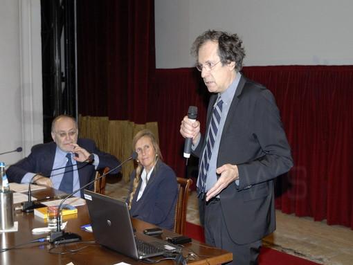 Grande partecipazione di insegnanti e studenti del 'Cassini' ieri ai 'Martedì Letterari' con il Prof. Maurizio Ferraris