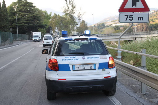 Coronavirus, Sanremo: dopo i sei casi positivi avviato lo screening su tutto il personale della Polizia Municipale
