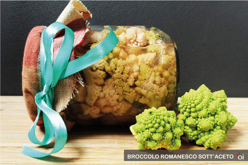 MercoledìVeg di Ortofruit: oggi prepariamo il broccolo romanesco sott'aceto