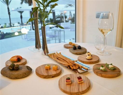 Sanremo: al Mimosa restaurant per provare l'emozione di un viaggio sensoriale in riva al mare