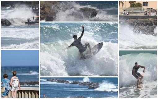 Forte mareggiata di Libeccio: surfisti in massa ai 'Tre Ponti' e nessun danno sulla costa e ai porti (Foto)