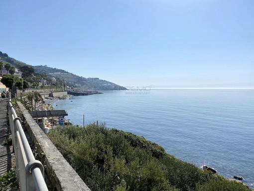 Sanremo: mancano documenti e rallenta la pratica per l'affidamento delle tre spiagge libere, domani l'apertura delle buste