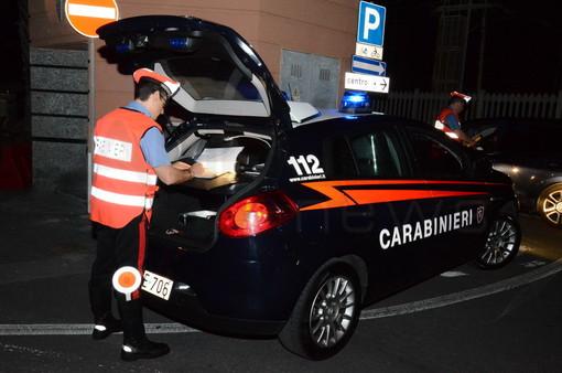 Sanremo: carabinieri si arrampicano su grondaia per raggiungere un appartamento e fermare un ladro