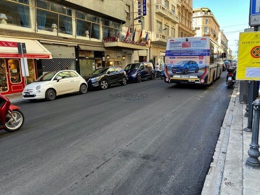 Il nuovo tratto di asfalto in via Roma