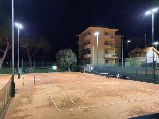 Bordighera: al Lawn Tennis Club si passa all'illuminazione a led, risparmio energetico e più luce sui campi (Foto)