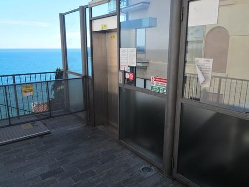 Imperia: ascensori guasti, parcheggi a pagamento in via XXV Aprile e asfalto in corso Saffi, il Pd interroga la maggioranza
