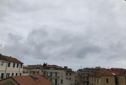 Il cielo plumbeo su Sanremo