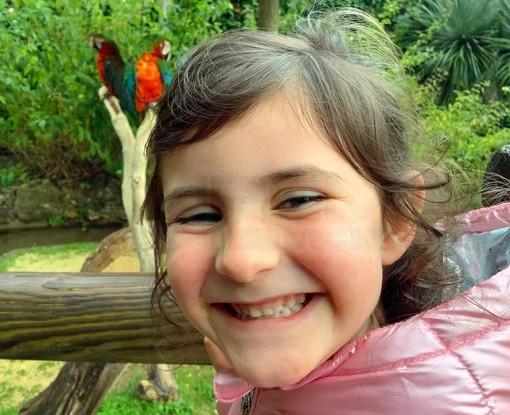 Seborga: la piccola Nicole Gorni di soli 6 anni ha vinto il premio 'Floranga' per le composizioni floreali