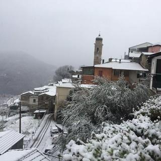 Maltempo: nevica nell'entroterra della nostra provincia, ecco le prime foto inviateci dai lettori