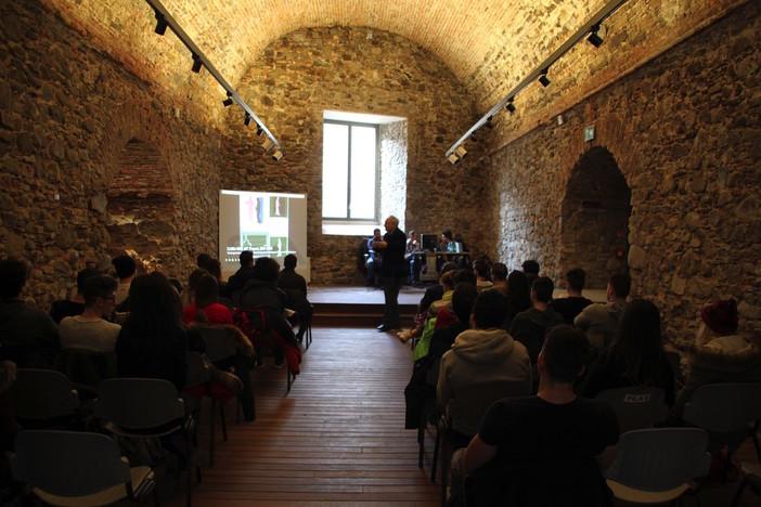 Sanremo: l'Università di Genova incontra gli studenti delle superiori al forte di Santa Tecla (foto e video)