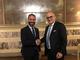 La stretta di mano tra il presidente uscente Olmo Romeo è il neo eletto Maurizio Salvalaio