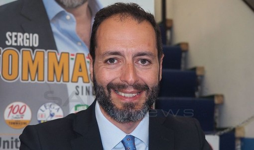 Olmo Romeo, durante la presentazione della sua candidatura al point della Lega di Sanremo
