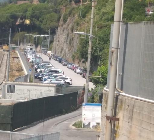 Ventimiglia: il nuovo parcheggio di San Secondo è gremito di auto e lavora a pieno ritmo