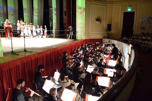 """Sanremo: concerti per le Scuole al Teatro del Casinò, successo per """"Viaggio intorno al mondo"""""""