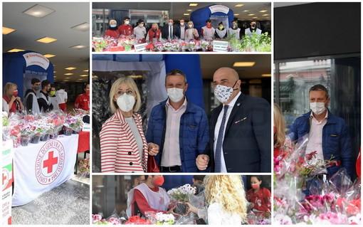 Quando Croce Rossa Italiana chiama i sanremesi rispondono, successo per l'iniziativa 'Banchetto Fiorito' (foto)