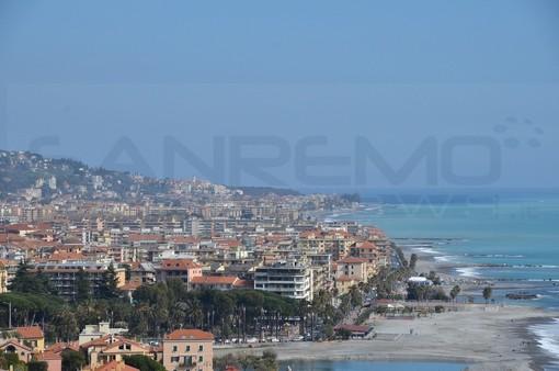 Ventimiglia: cittadino lamenta un forte odore di cloro nell'acqua in zona Borgo