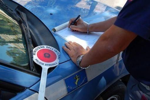 Coronavirus: la Polizia Stradale denuncia coppia lombarda sull'autostrada a Santo Stefano al Mare