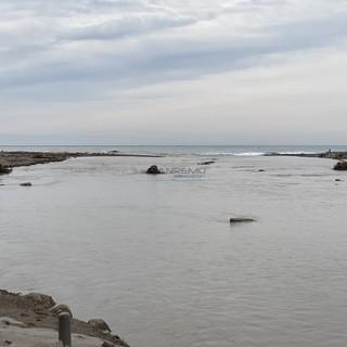 """""""Acqua che spacca il monte, che affonda terra e ponte"""": da Ventimiglia le immagini di una settimana che resterà per sempre nella memoria (Video)"""
