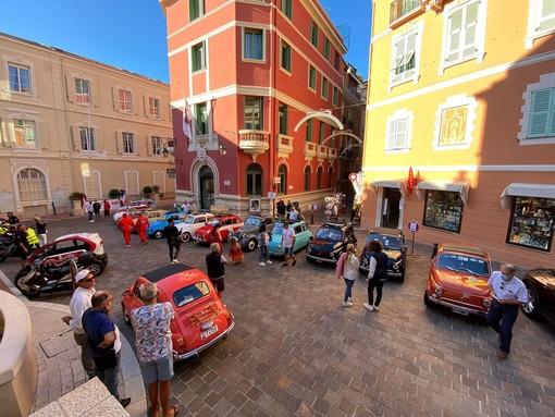 Nel weekend la terza 'passeggiata' delle Fiat 500 tra Monaco e la Riviera di Ponente