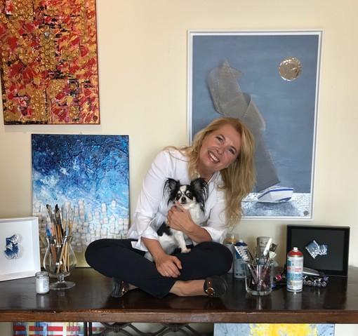 Paola Arrigoni con le sue opere