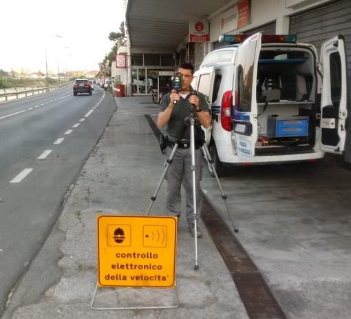 Pattuglia della Polizia Provinciale per il controllo stradale: prime verifiche in Val Nervia e multe per eccesso di velocità