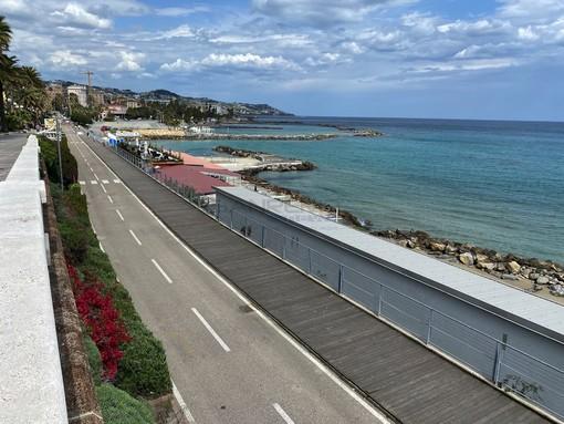 Sanremo: sistemata da Amaie Energia la passerella in legno sulla ciclabile all'altezza dell'Imperatrice