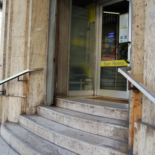 Sanremo: lettrice con problemi di deambulazione ci racconta la sua 'avventura' all'ufficio postale