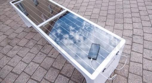 La panchina fotovoltaica con prese Usb
