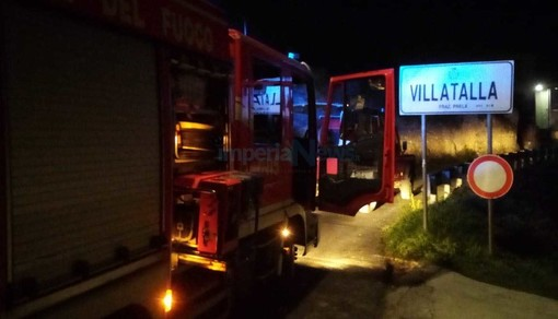 Prelà: principio di incendio a Villatalla, intervento dei Vigili del Fuoco in serata (Foto)