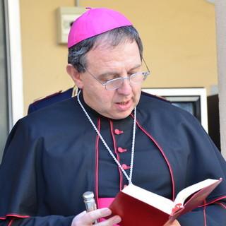 """Coronavirus ferma anche le Messe: il Vescovo """"Chiese aperte ma sospese le celebrazioni eucaristiche"""""""
