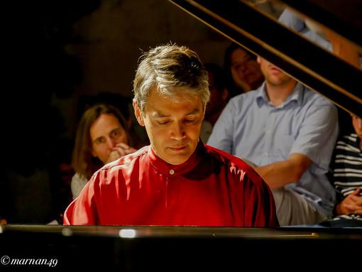 Cervo: Pietro De Maria apre il weekend di concerti e masterclass delle Giornate Géza Anda (Foto e Video)
