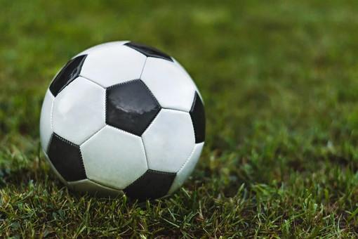 Calcio, Eccellenza: il Ventimiglia vince il derby contro l'Ospedaletti (2-1) e rimane al vertice della classifica