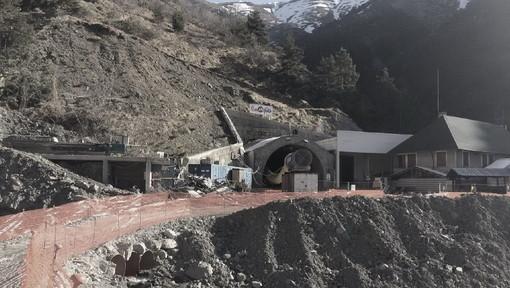 Studio geologico dell'associazione 'Uniti per il Tenda': possibile un viadotto per connettere la galleria esistente (Foto)