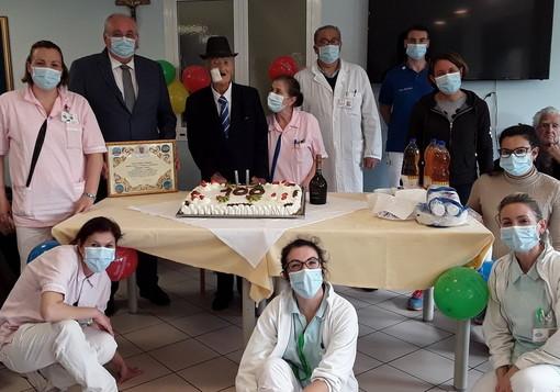 Vallecrosia: la RSA Casa Rachele festeggia i 100 anni del signor Pasquale Sicari