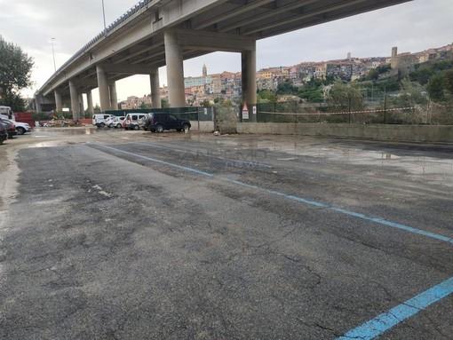 Ventimiglia: ripulita l'area sotto al cavalcavia in zona Roverino, rimossi tutti i rifiuti