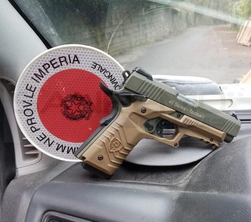Ceriana: allarme per una pistola nella zona delle 'Saline', ma per fortuna era solo una replica da 'softair'