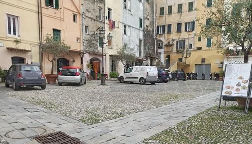 Sanremo: un luogo storico (vietato alle auto) come piazza San Siro trasformato in un parcheggio (Foto)