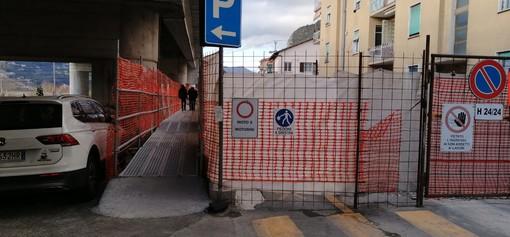 Ventimiglia: due passerelle 'a sbalzo' sul lungofiume sul tratto di cantiere vicino al passaggio a livello di via Tenda (Foto)