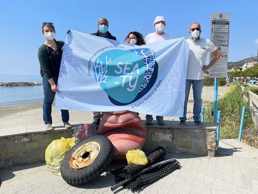 Sabato pulizia della spiaggia a Santo Stefano al Mare con il progetto 'Sea-ty'