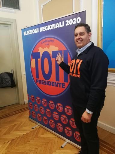 Genova: presentato questa mattina il simbolo della lista 'Cambiamo' del governatore Toti alle regionali 2020 (Foto e Video)