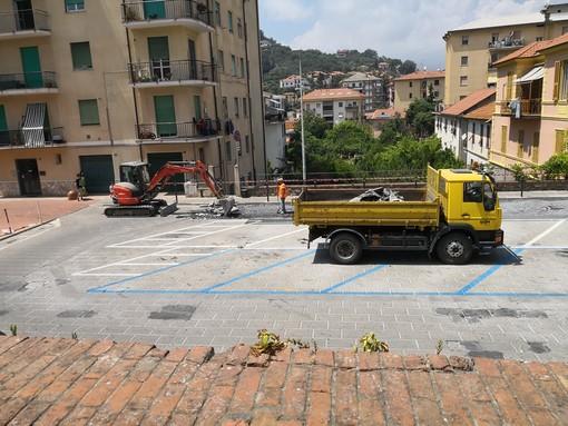 """Imperia, partiti i lavori in piazza Mameli. L'assessore D'Agostino: """"Eliminiamo pericolo per auto e pedoni"""""""