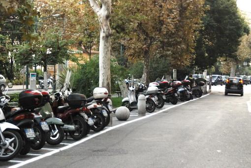 """Sanremo: parcheggi per le moto in centro, le proteste di un lettore """"Sono troppo pochi"""""""